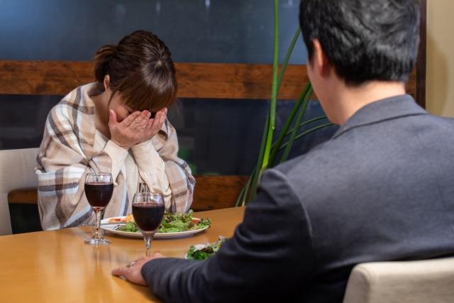 不倫された場合、された側は離婚を選択するべきなのか。何を選択すれば幸せになれるのか